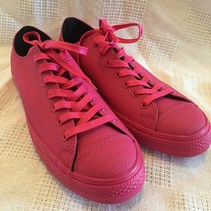 💕Hot pink Converse all rubber sneakers
